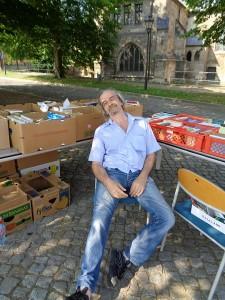 DSC01541-225x300 in Bücherflohmarkt 2015 - Trotz grosser Hitze 359 € für weitere Namenstafeln