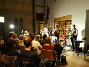 20171103 181649-1-klein-300x225 in Tolles Konzert mit Cellart bringt 510 Euro Spenden ein