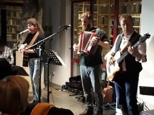 20171103 185658-klein-300x225 in Tolles Konzert mit Cellart bringt 510 Euro Spenden ein