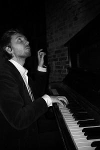 Siedhoff-3-klein-200x300 in Stummfilmpianist spielt live zum Film Go west mit Buster Keaton