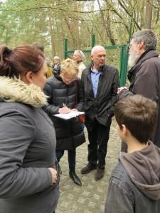IMG 0410-e1531155703942-225x300 in Petition im Landtag übergeben - Der Stollen muss für die Besucher der Gedenkstätte zugänglich bleiben!