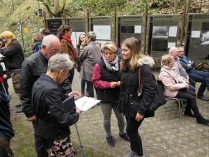 IMG 0412-300x225 in Petition im Landtag übergeben - Der Stollen muss für die Besucher der Gedenkstätte zugänglich bleiben!