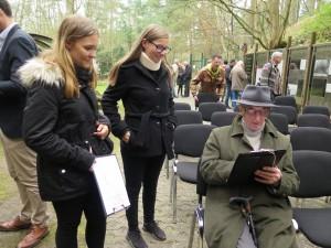 IMG 0450-300x225 in Petition im Landtag übergeben - Der Stollen muss für die Besucher der Gedenkstätte zugänglich bleiben!