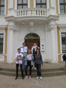 IMG 1885-e1531156399349-225x300 in Petition im Landtag übergeben - Der Stollen muss für die Besucher der Gedenkstätte zugänglich bleiben!