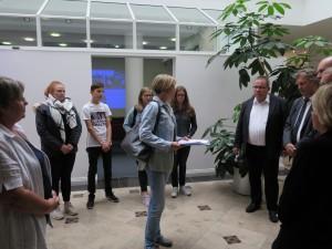 IMG 1889-300x225 in Petition im Landtag übergeben - Der Stollen muss für die Besucher der Gedenkstätte zugänglich bleiben!