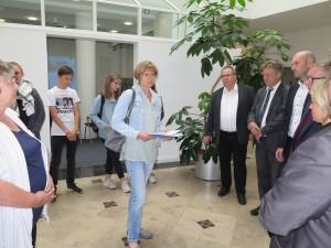 IMG 1892-300x225 in Petition im Landtag übergeben - Der Stollen muss für die Besucher der Gedenkstätte zugänglich bleiben!