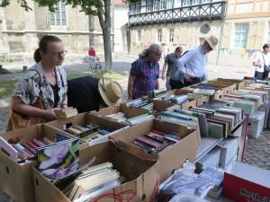 IMG 3534-300x225 in Bücherflohmarkt erbringt 498,90 Euro Spenden