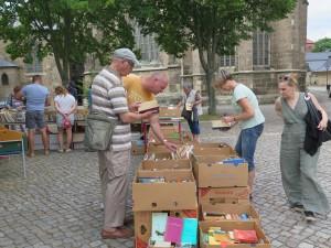 IMG 3538-300x225 in Bücherflohmarkt erbringt 498,90 Euro Spenden