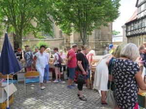 IMG 3552-300x225 in Bücherflohmarkt erbringt 498,90 Euro Spenden